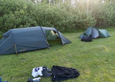 """Som en lille dreng sagde: """"Hvorfor er det ene telt væltet, mor?"""""""